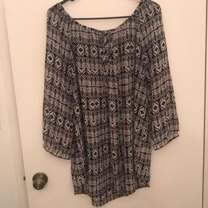 Black and white peasant tunic. Like new